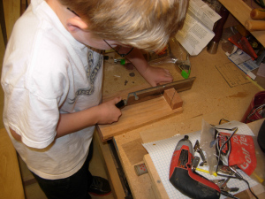 Cutting the dowels