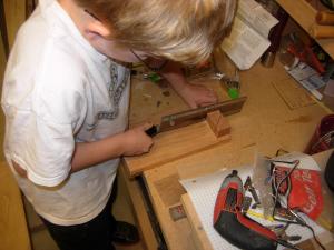 Cutting the dowels